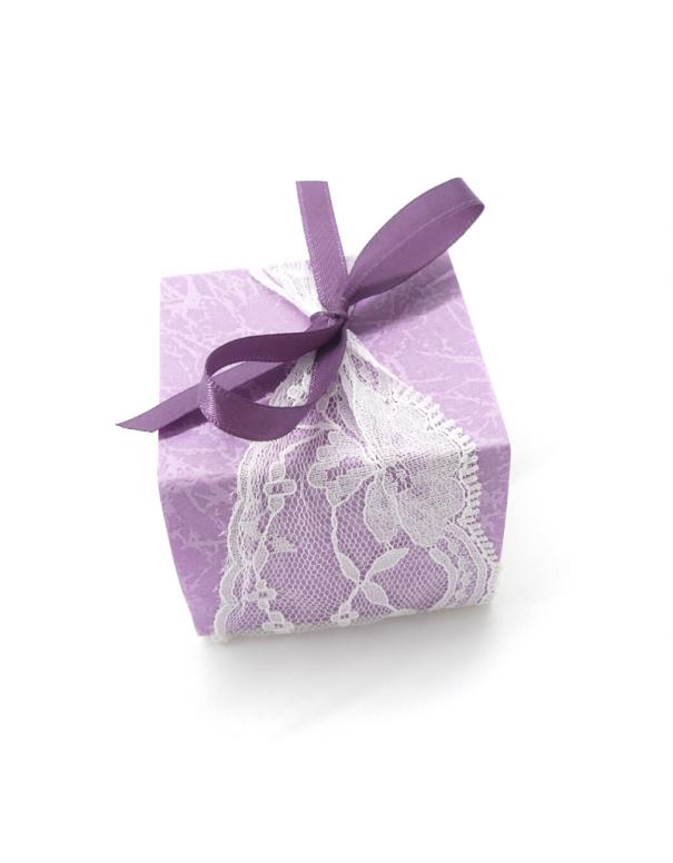 Contenant à dragées violet à dentelle